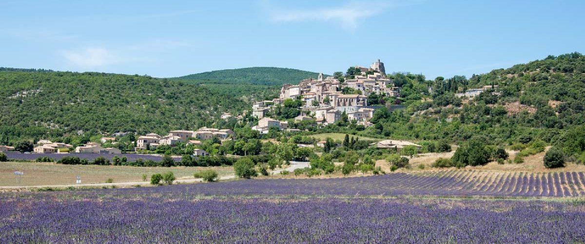 Routes-de-la-Lavande-village-Provence